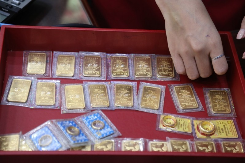 """Dự báo giá vàng SJC trong nước ngày 29/9 sẽ """"phá đáy"""" của gần 2 tháng trước trước sức ép của các chính sách tiền tệ mới"""