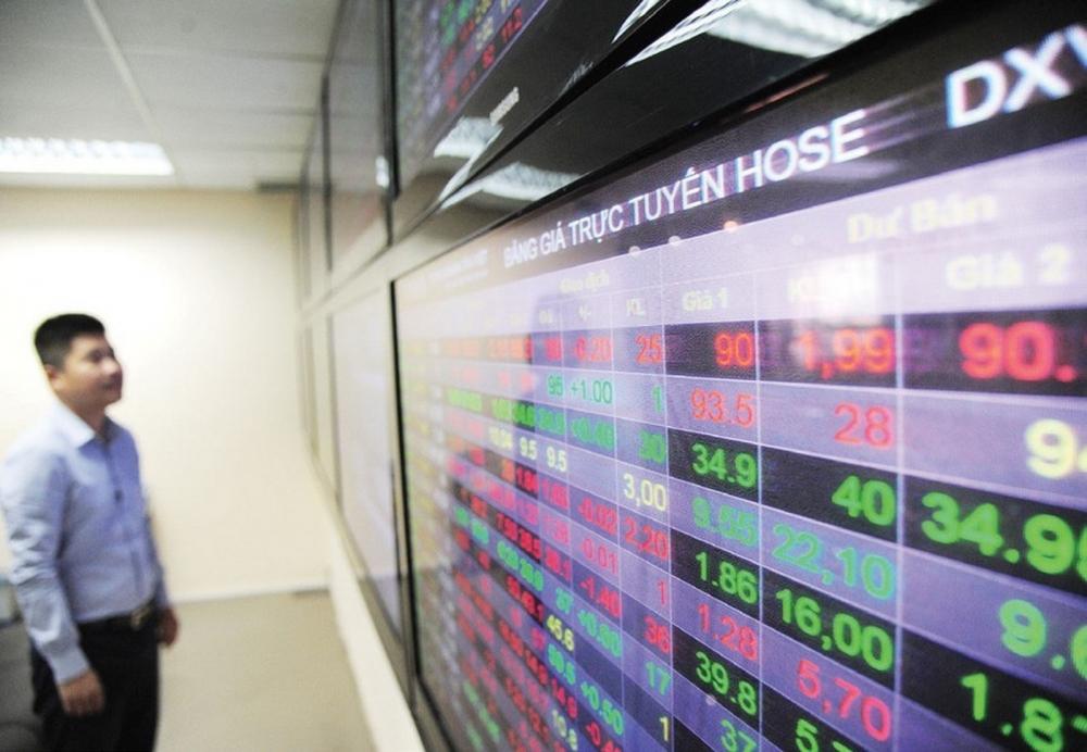 Bảng điện tử tại HOSE liên tục treo dù chỉ khớp lệnh các mã chứng khoán với giá trị mở cửa