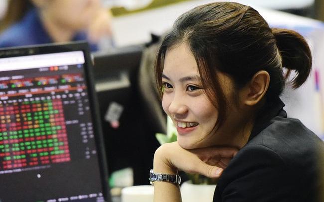"""Các công ty chứng khoán """"ăn nên làm ra"""" nhờ vào các kỷ lục của VN-Index"""