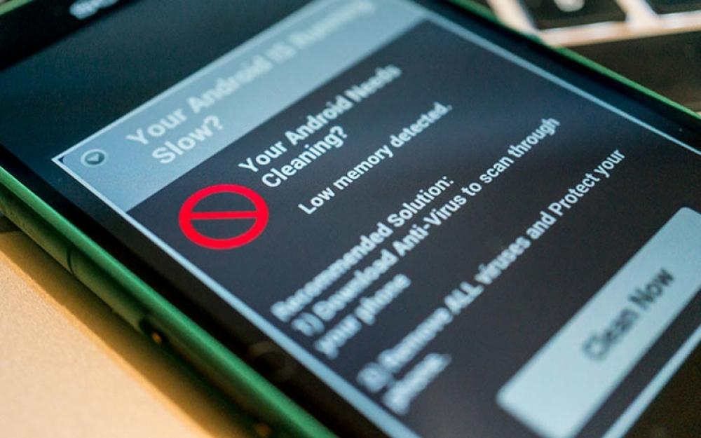 """Các nhà bảo mật trên thế giới liên tiếp đưa ra các cảnh báo về các ứng dụng """"dẫn lối"""" cho hacker tấn công thiết bị di động"""