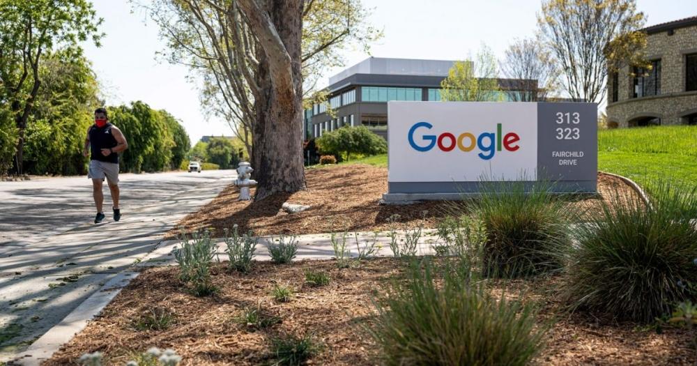 Để trở lại văn phòng làm việc thì các nhân viên của Google bắt buộc phải tiêm vắc-xin ngừa COVID-19