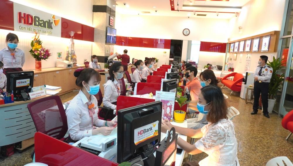 Các tổ chức tín dụng tiếp tục duy trì các chính sách hỗ trợ khách hàng chịu ảnh hưởng của dịch COVID-19 trong năm 2021