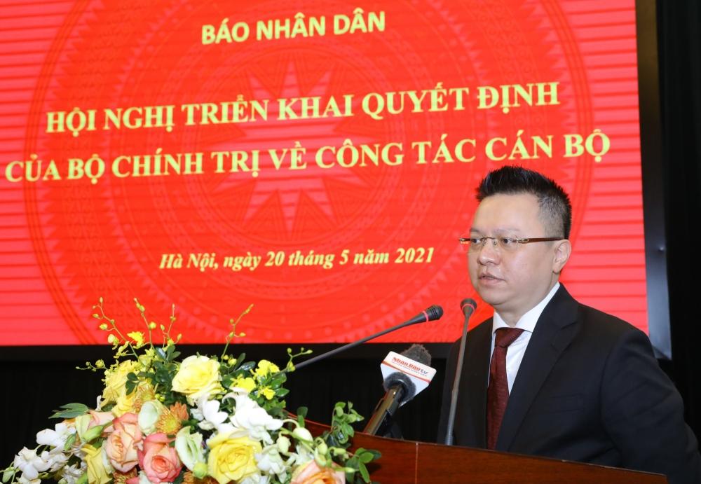 Tân Tổng Biên tập Báo Nhân dân Lê Quốc Minh phát biểu khi nhận trọng trách được Đảng giao phó