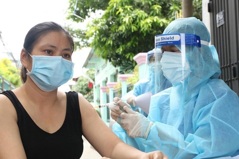 Vaccine được xem là công cụ chống dịch trực diện khi có thể tạo ra miễn dịch cộng đồng