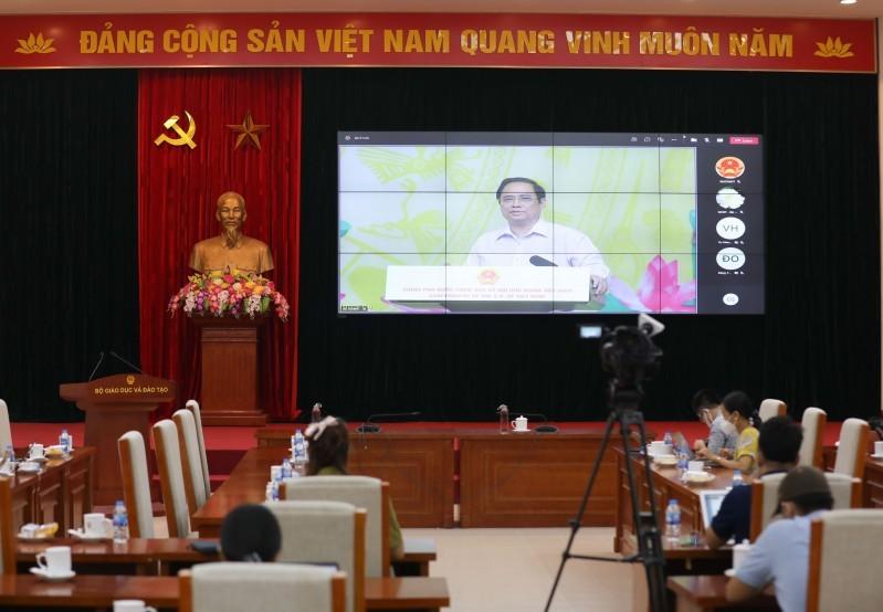 Buổi lễ được tổ chức bằng hình thức trực tuyến đến các điểm cầu