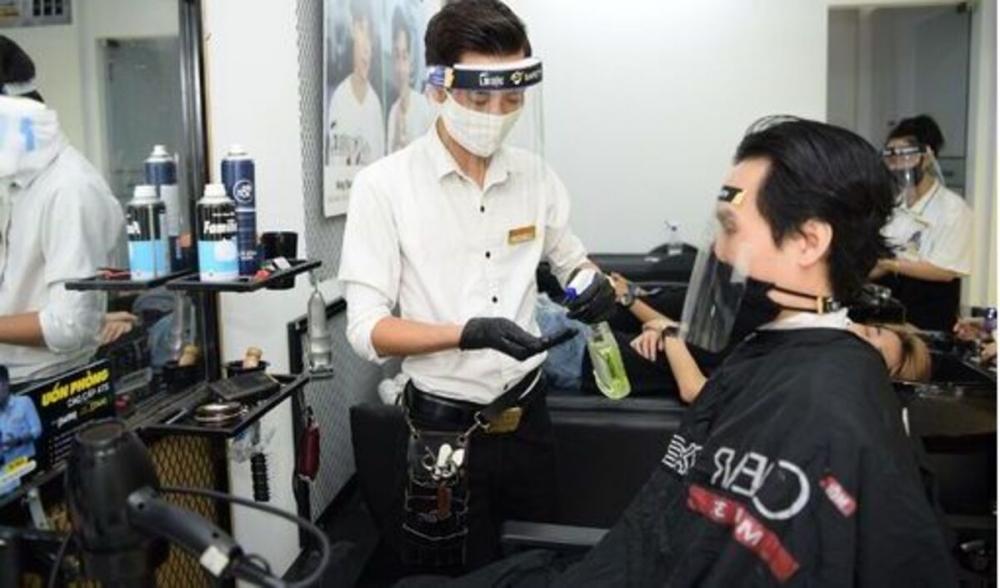 Dịch vụ cắt tóc, gội đầu được phép mở cửa trở lại nhưng phải đảm bảo thực hiện Thông điệp 5K