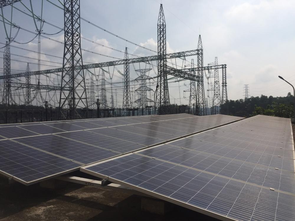 """Bên cạnh đó mức độ tăng trưởng """"nóng"""" này còn tạo nên sức ép đối với hệ thống truyền tải điện hiện nay"""