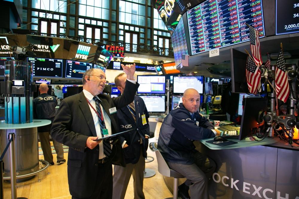 Dự báo chứng khoán tuần tới với thị trường thế giới sẽ ở thế giằng co trong tình hình kinh tế ảm đạm