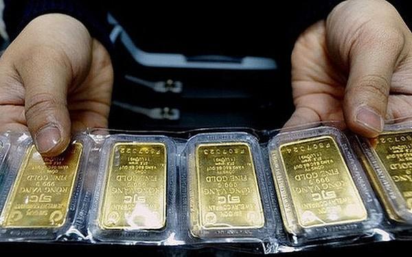 """Giá vàng hôm nay 21/8: Thị trường """"đỏng đảnh"""" thất thường khi tăng hơn 400 nghìn đồng mỗi lượng"""