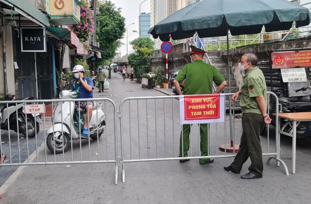 Hà Nội sẽ tiếp tục thực hiện giãn cách theo Chỉ thị 16 của Chính phủ và Chỉ thị 17 của UBND thành phố trong 15 ngày tiếp theo