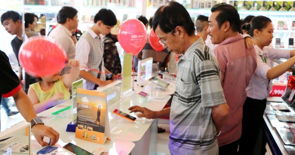 Sau 2 năm vắng bóng của Huawei, thị trường smatphone vẫn tiếp tục sôi động với các cuộc cạnh tranh của nhà sản xuất nhỏ