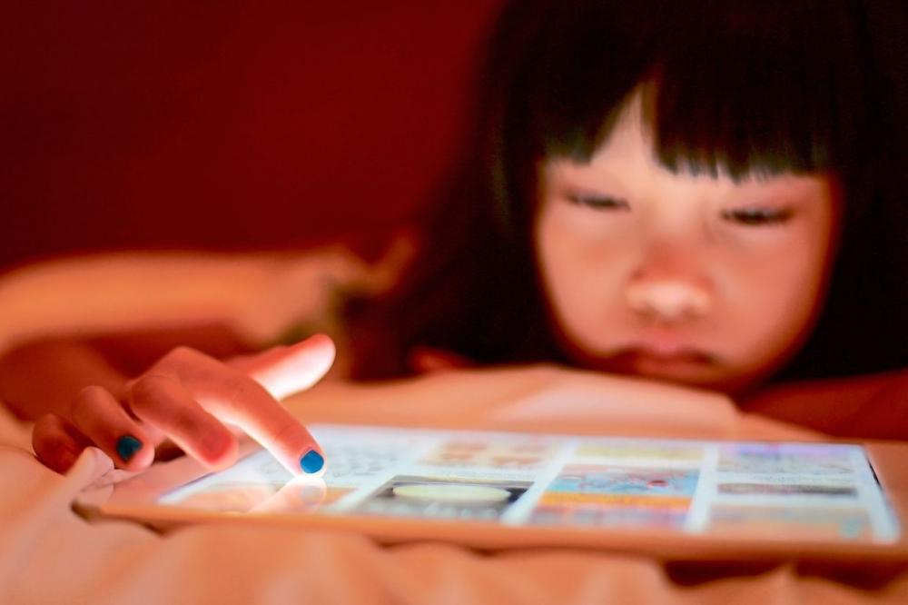 Những tác động của internet với trẻ em là vấn đề không thể tránh trong thời đại công nghệ 4.0