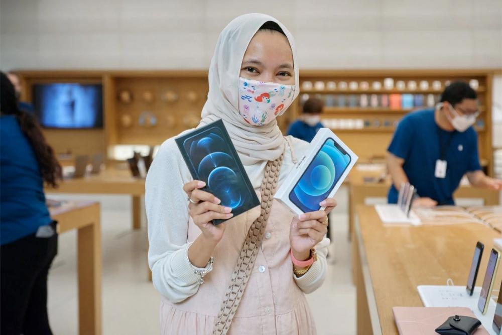 """Những chiếc iPhone 12 """"Made in India"""" có thể giúp Apple chiếm lĩnh thị trường tiềm năng Ấn Độ"""