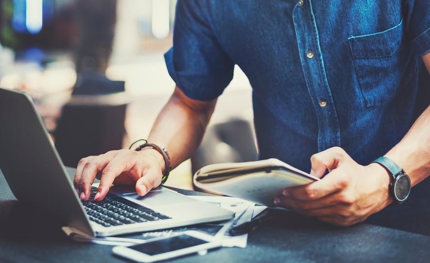 Người lao động không nên tự tạo áp lực khi triển khai công việc bằng hình thức trực tuyến
