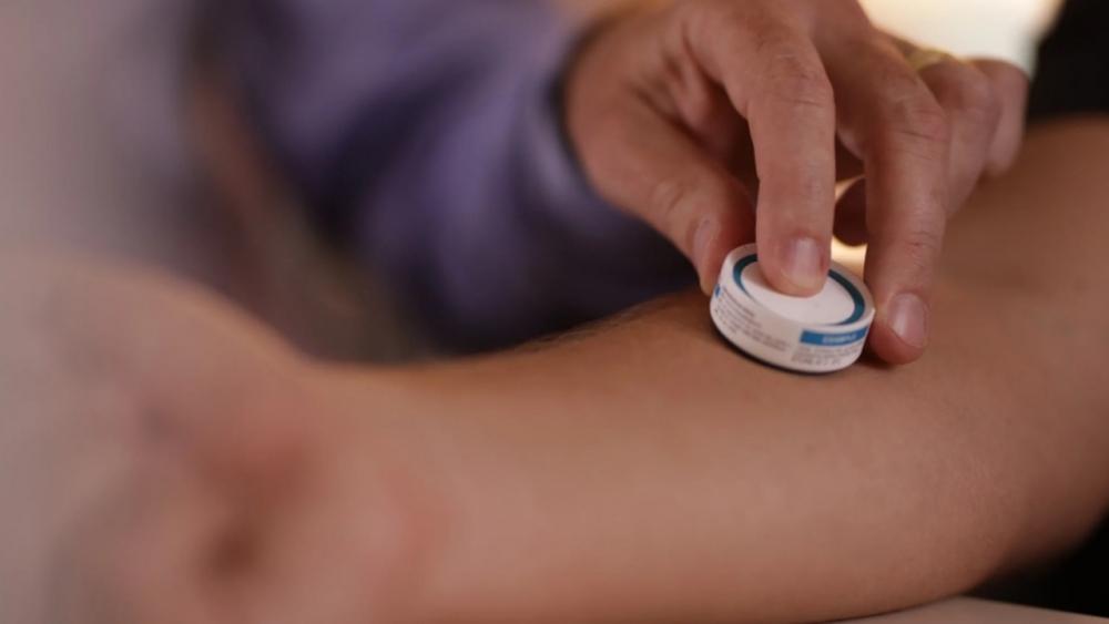Hexapro được xem như một loại vắc-xin khác với các loại truyền thống được đưa vào cơ thể bằng đường tiêm