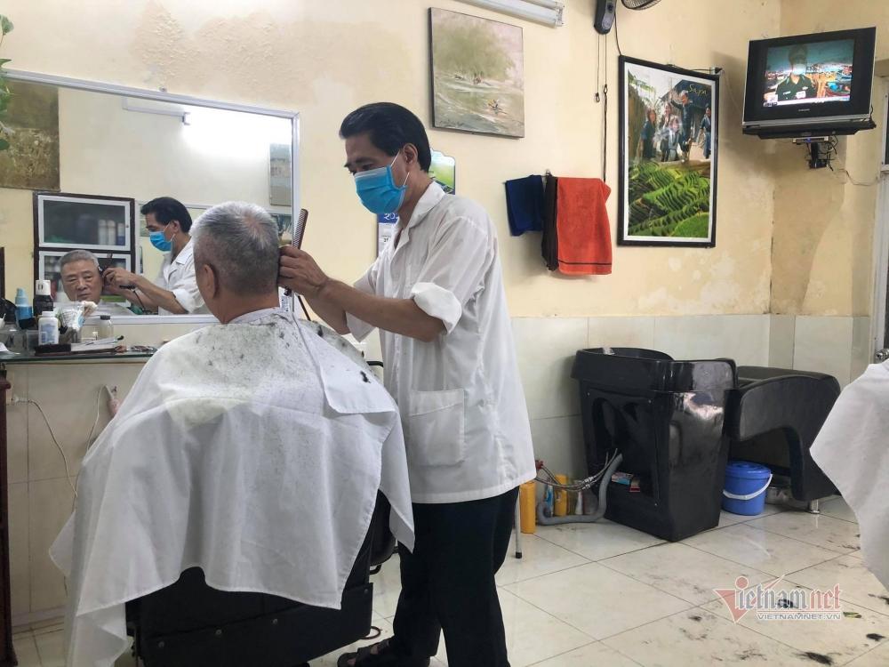 Chính sách thuế đối với các loại hình dịch vụ như cắt tóc, gội đầu, internet... đã được áp dụng ổn định trong 6 năm qua và không có sửa đổi theo như thông tư 40 có hiệu lực từ 1/8