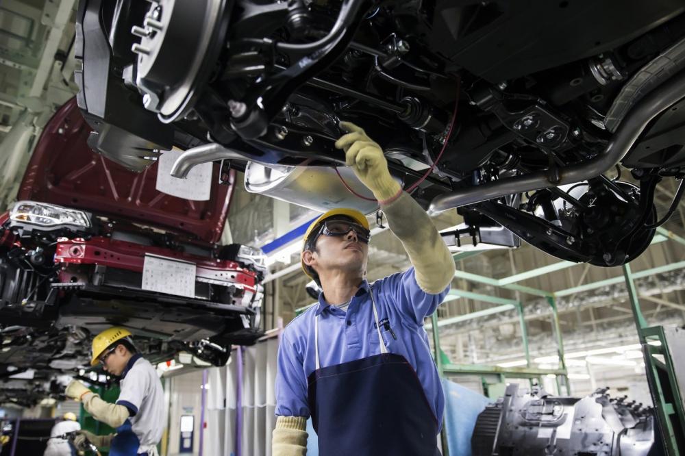 Với mục tiêu chuyển hoàn toàn sang sản xuất xe điện vào năm 2035 đang đe doạ nghiêm trọng đến thị trường lao động Nhật Bản