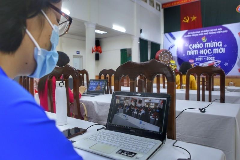 Giáo viên các trường trên địa bàn Hà Nội sẽ theo dõi Lễ khai giảng năm học 2021 - 2022 theo hình thức trực tuyến