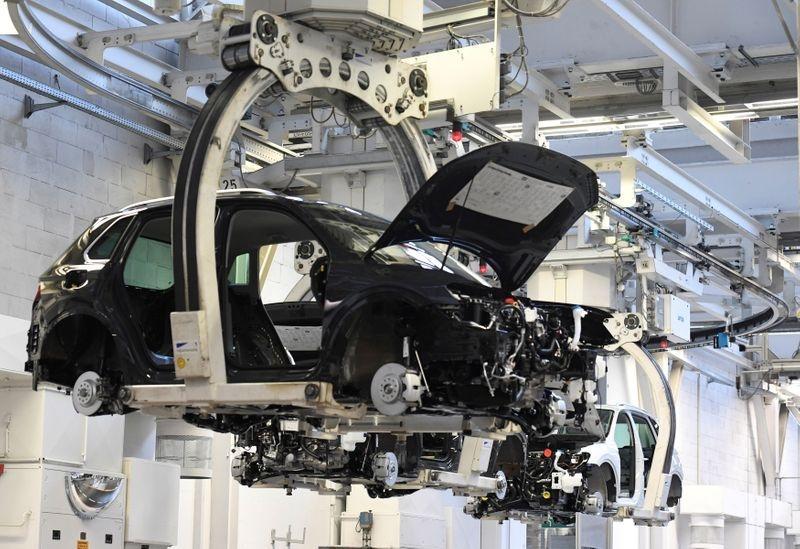 """Ngành công nghiệp ô tô có thêm hy vọng được """"giải cứu"""" nhờ vào cam kết cung cấp lượng lớn chip bán dẫn từ TSMC đảm bảo các nhà máy sản xuất không phải đóng cửa"""