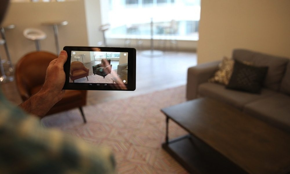 Với việc áp dụng công nghệ AR và 3D Wayfair cho phép người dùng thử các sản phẩm nội thất trong không gian phòng để có lựa chọn tốt nhất trước khi mua sản phẩm