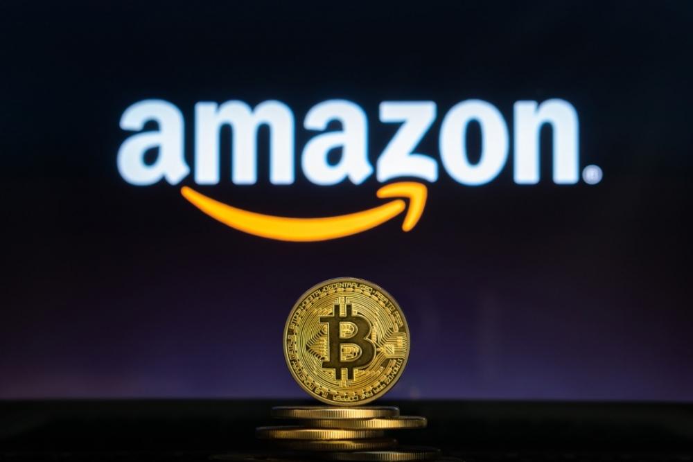 Những động thái mới đây của Amazon càng làm gia tăng những đồn đoán về việc chấp nhận thanh toán bằng đồng tiền ảo như bitcoin trên hệ thống bán lẻ trực tuyến của mình