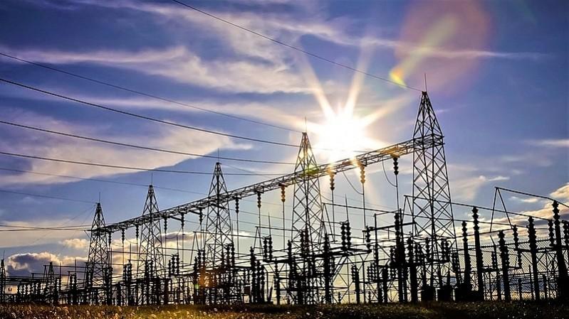 Việc kết nối nguồn năng lượng tái tạo có thể cho phép tư nhân đầu tư hệ thống truyền tải điện để giảm áp lực cho ngân sách