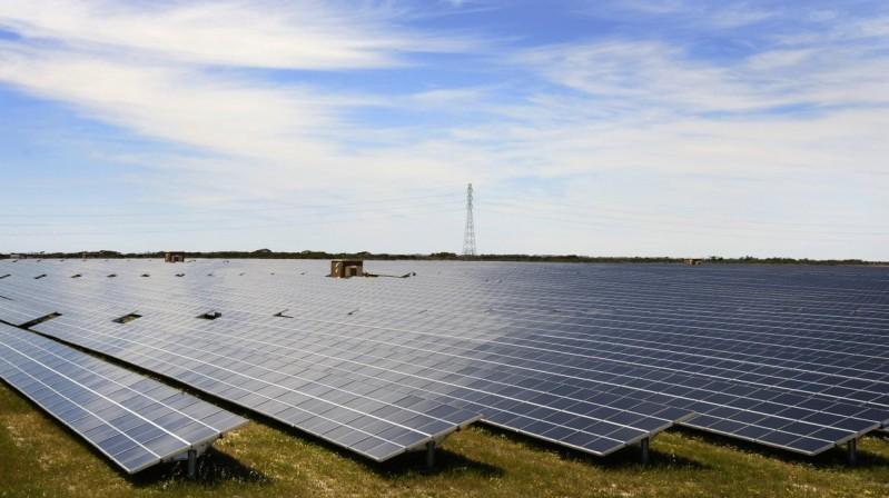 """Trong khi năng lượng tái tạo lại phải """"nhường sân"""""""
