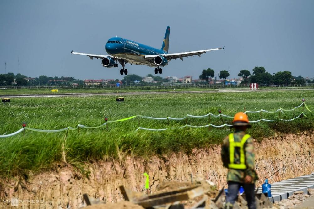 Bộ GTVT đánh giá việc xây dựng sân bay tại Ứng Hoà sẽ thiếu khả thi khi đây là khu vực trũng thấp và cần xây dựng hạ tầng mới để kết nối