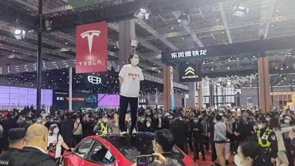 Tesla liên tiếp gặp những trở ngại tại thị trường Trung Quốc khi liên tiếp vấp phải những trở ngại sau khi đầu tư tại đây