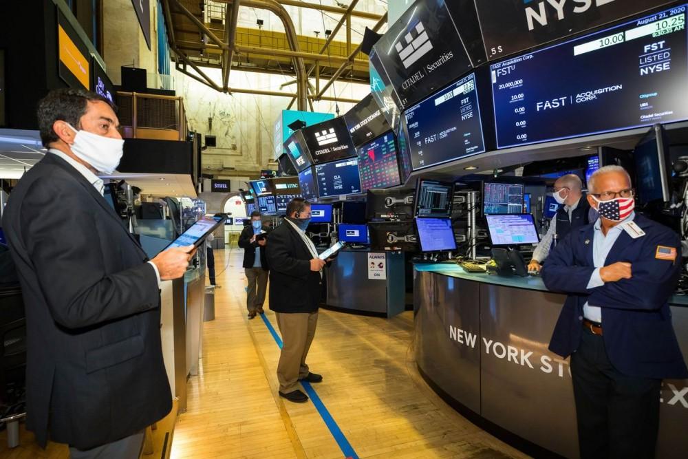 """Thị trường """"bất bênh"""" khi những bất an đối với nền kinh tế khi các gói kích thích vẫn được các quốc gia thông qua"""
