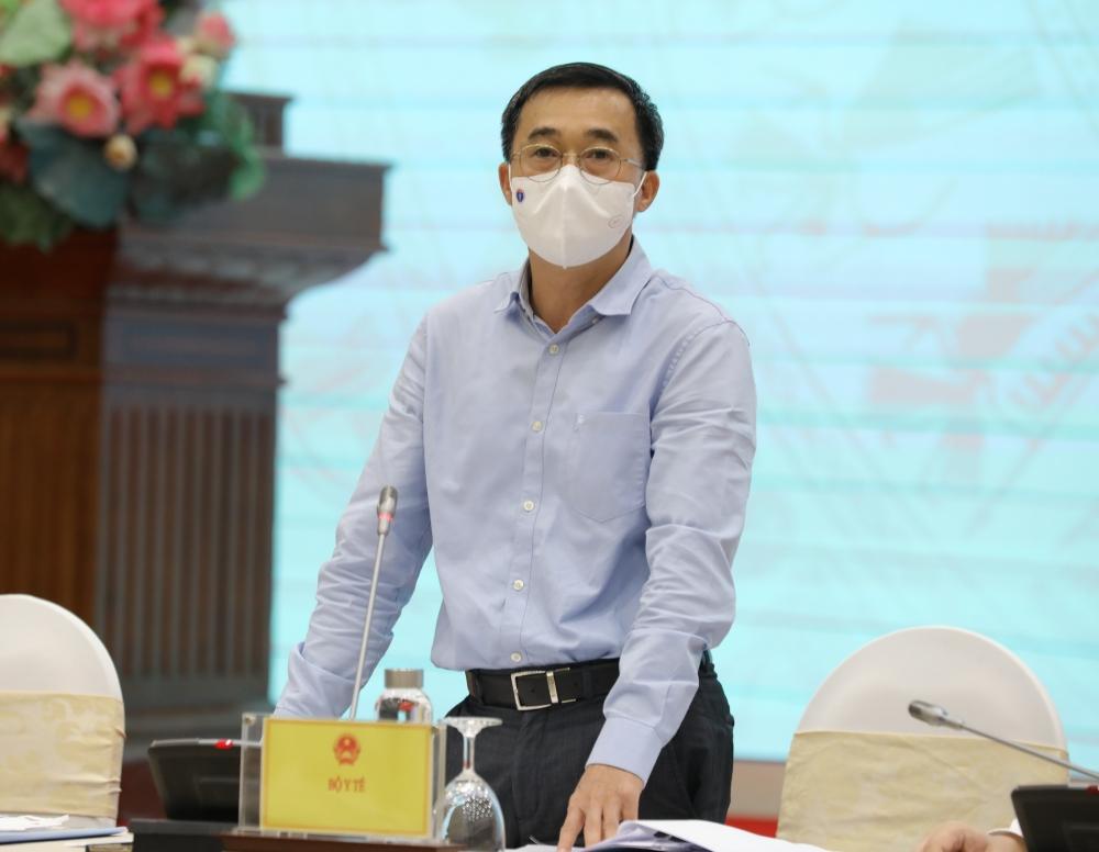 Thứ trưởng Bộ Y tế Trần Văn Thuấn trong họp báo Chính phủ thường kỳ tháng 4