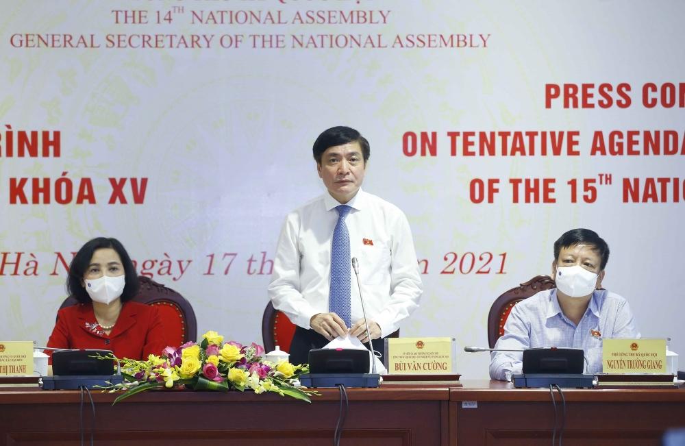 Tổng thư ký, Chủ nhiệm Văn phòng Quốc hội Bùi Văn Cường phát biểu tại họp báo giới thiệu về nội dung kỳ họp