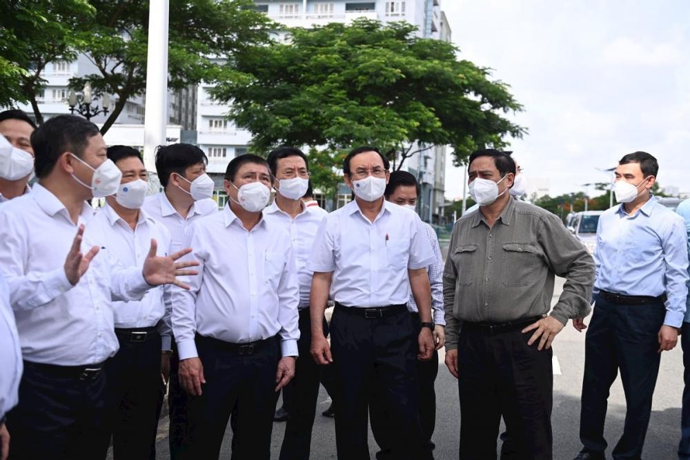 """Thủ tướng yêu cầu TP HCM thực hiện giãn cách với tinh thần """"vừa chống dịch, vừa sản xuất"""""""