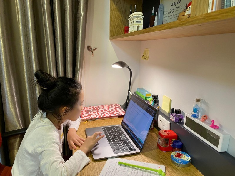 Các vấn đề về tâm lý của trẻ em khi học online cần được lưu tâm
