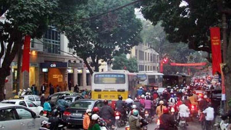 Tuyến phố Ngô Quyền - Tràng Tiền luôn là điểm nóng về giao thông mỗi khi vào giờ cao điểm trên địa bàn quận Hoàn Kiếm