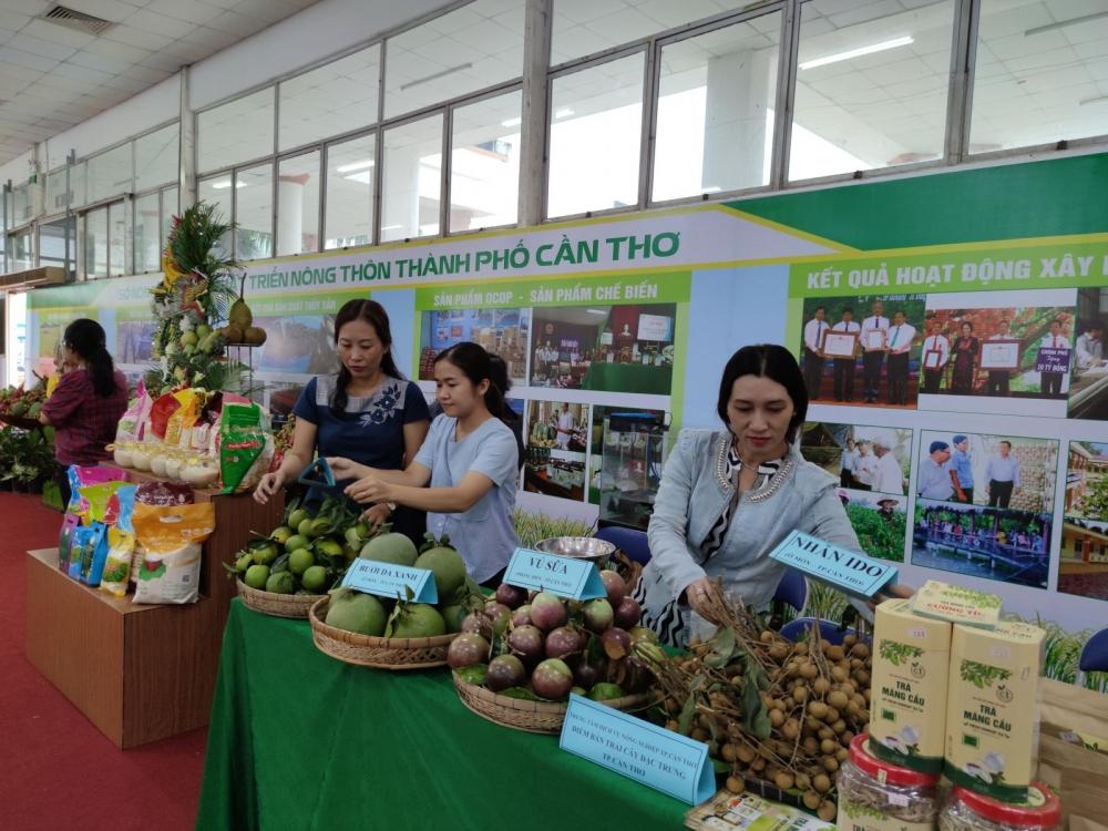 Các sản phẩm nông nghiệp tìm kiếm nhà phân phối thông qua các hội chợ nông sản