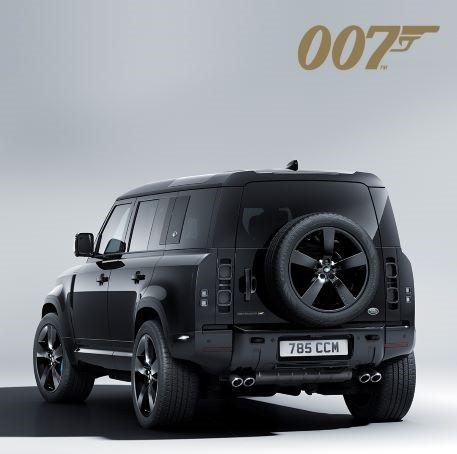 Land Rover Defender V8 phiên bản Bond Edition