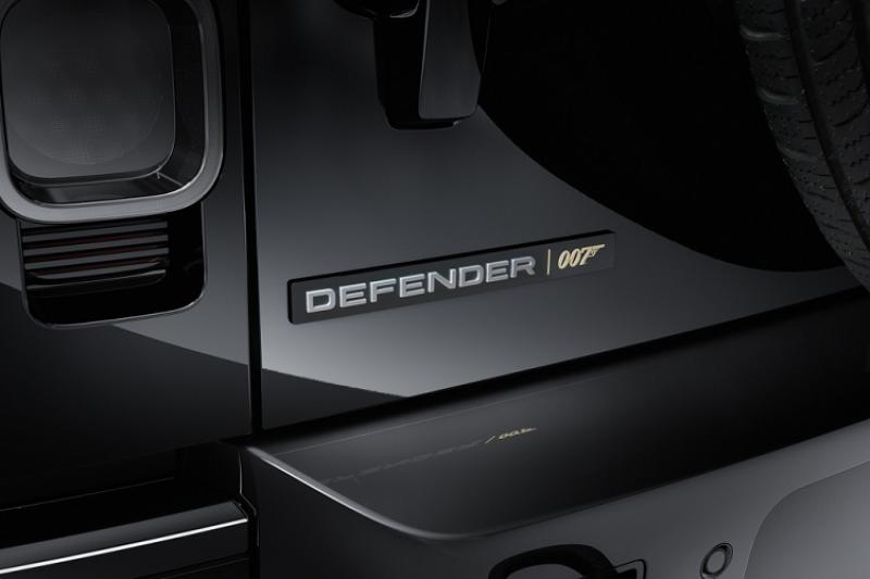 dientungaynay Land Rover Defender V8 Bond Edition