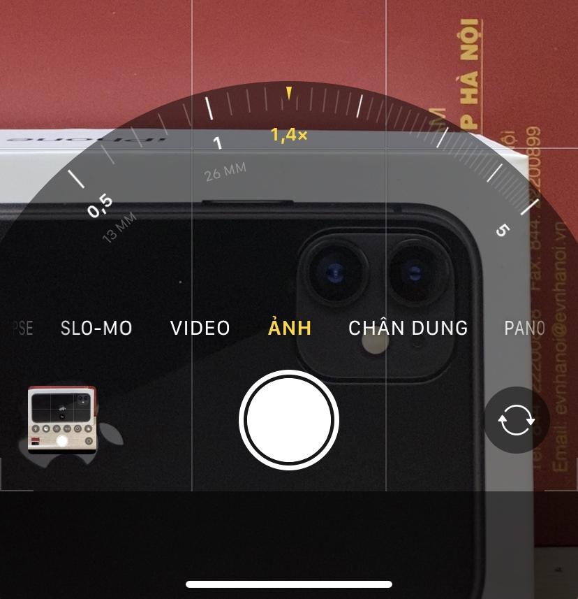 Phóng to và thu nhỏ camera trên iPhone 11